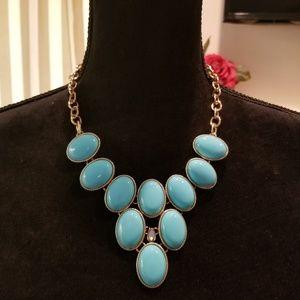 Jewelry - SASSY BLUE STATEMENT NECKLACE